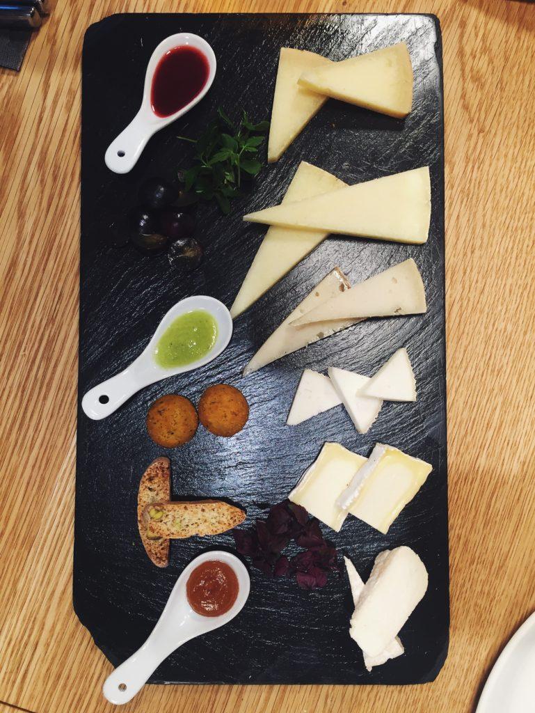Tabla de quesos de Cheeso